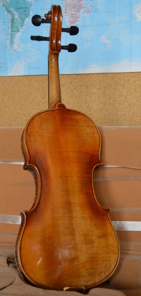 violon-ambre-dos