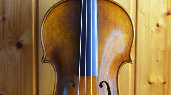 Un violon alto 16,5″